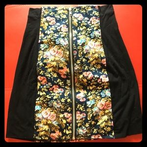 Dresses & Skirts - Adorable Zipper front skirt by Alice of London